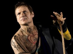 Unhappy British baritone cancels Met