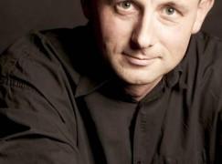 Barenboim to quit La Scala two years early