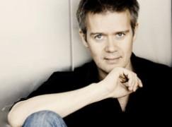 Dutch composer collects 100,000 Euros