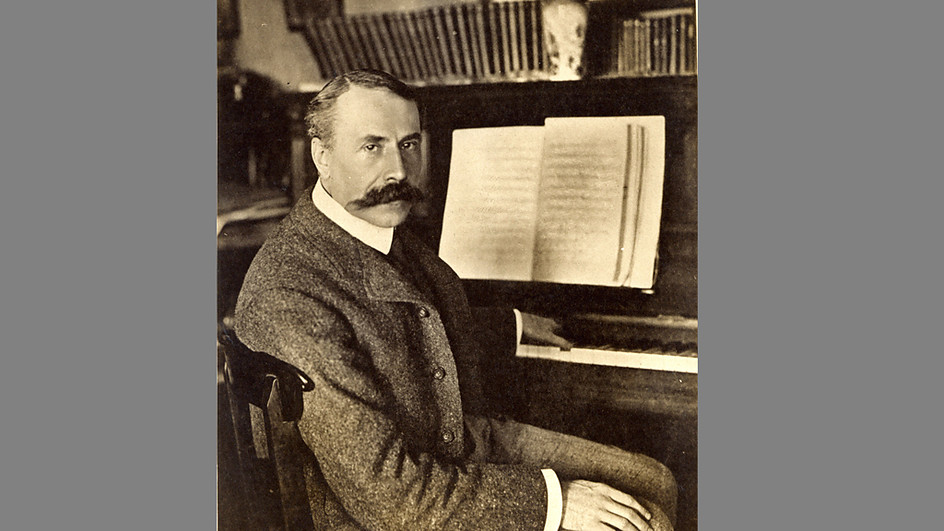 sir edward elgar essay The backstory on an october evening in 1898, edward elgar, tired from a day's teaching, lit a cigar and began to improvise at the piano one theme in particular struck his wife's fancy, and she asked what it was.