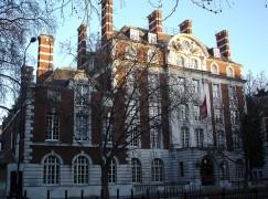 Royal Academy denies cancel policy