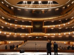 Covid latest: Bucharest Opera admits 10 cases, Mariinsky Ballet loses coaches