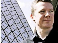 Edinburgh Festival extends its chief