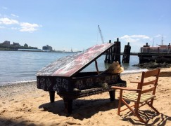 brooklyn bridge piano2