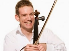 Cellist apologises for failing to sign CDs
