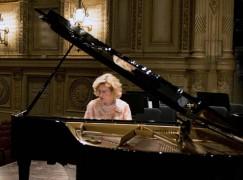 A transgender concert pianist finds hope across the border