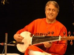 Fly-me news: Airline returns sad maestro's lost instrument