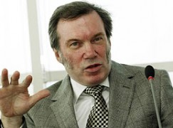 Austrian Cross for Welsh opera boss
