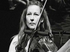 Breakthrough: Prime minister's wife leads French orchestra to Algeria