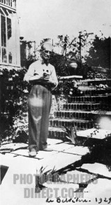 Maurice Ravel with his cat , Mouni , in 1929
