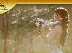Violinist signs on for nudist festival