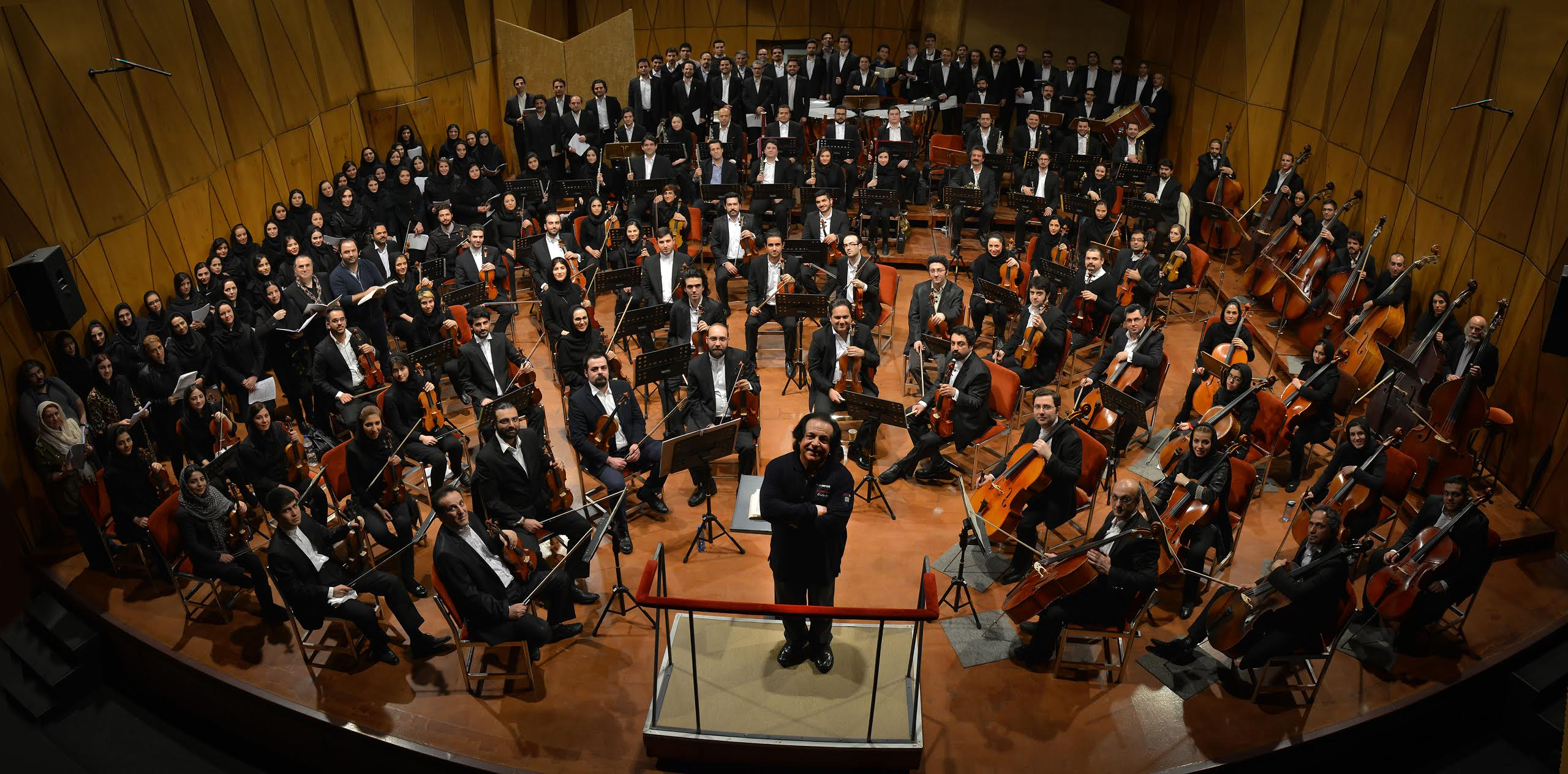 Tehran Symphony is suspended by conductor until players get paid