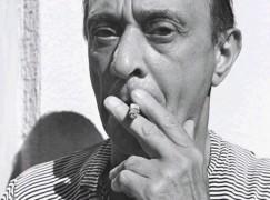 arnold-schoenberg smoking