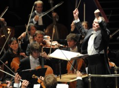 Mariss Jansons is forced to apologise for 'cup of tea' remark