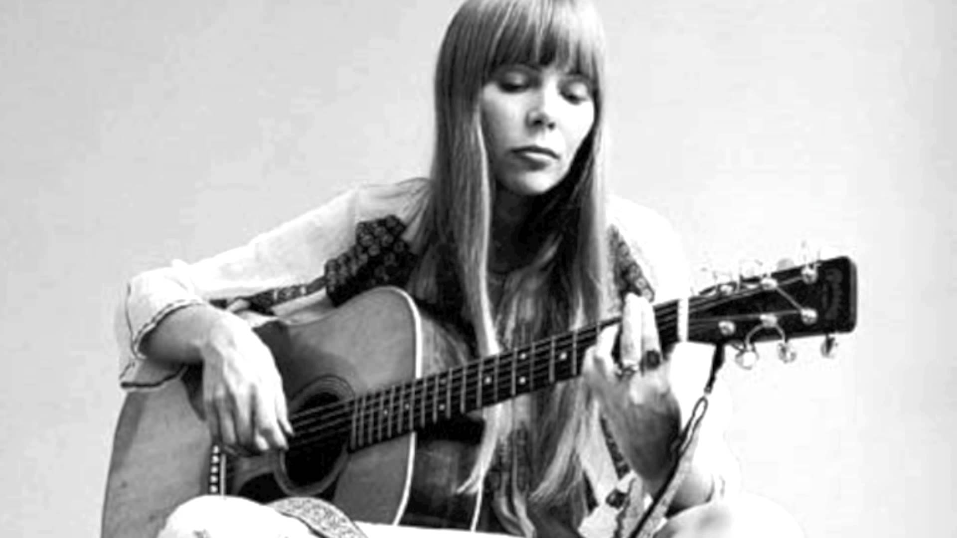 Joni Mitchell is found unconscious