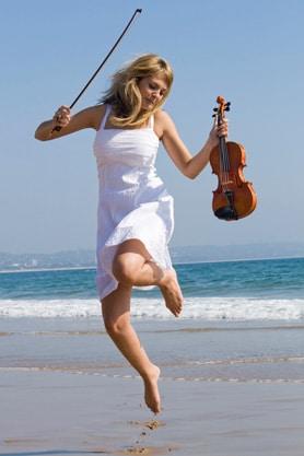 musician-on-beach-278