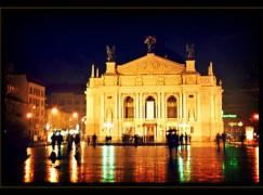 lviv-opera-on-a-rainy-evening_l-400x279