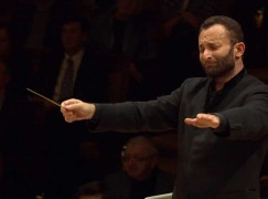 kirill petrenko conducting2