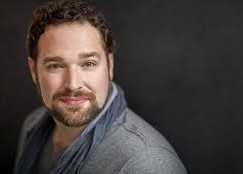 Top tenor withdraws 'for period of rest'