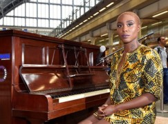 Free piano lessons at London Eurostar station