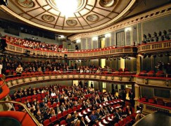 Armed robbery at Greek National Opera