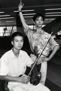 Khac-Uyen Nguyen (left) with dancer and fellow Vietnamese refugee Huynh Kien Binh in Hong Kong in 1991.