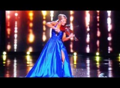 Miss Mississippi 2015 plays the violin. She loses