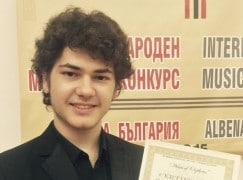 Some good news: Syrian refugee wins piano competition