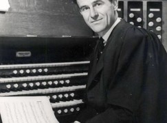 Sir David Willcocks on period instruments: 'I sit firmly on the fence'