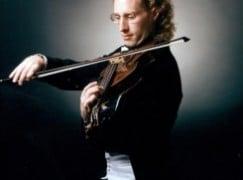 A principal viola has died, aged 51