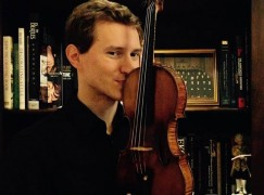 Czech concertmaster leaves Russia with his violin
