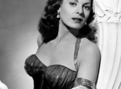 Maureen O'Hara, much mourned, could sing