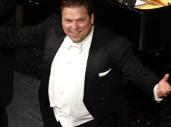Near-disaster: International tenor falls head first into orchestra pit