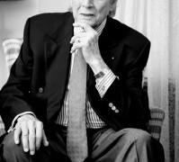 Death of an influential bass-baritone, aged 93