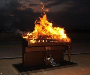 pianoburning