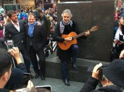 andrea-bocelli-guitar1