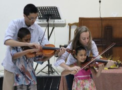 A Chicago Symphony violist brings hope to Syrian refugees