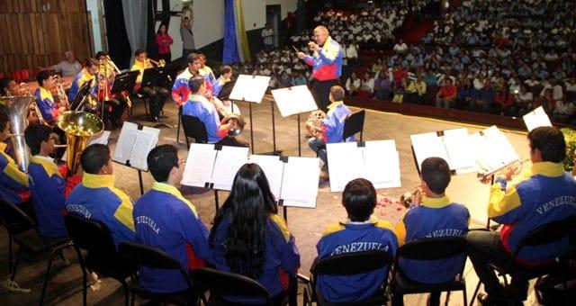 Venezuela orchestra is held hostage in rehearsal