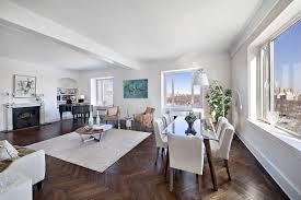 Pavarotti's apartment in cut-price sale