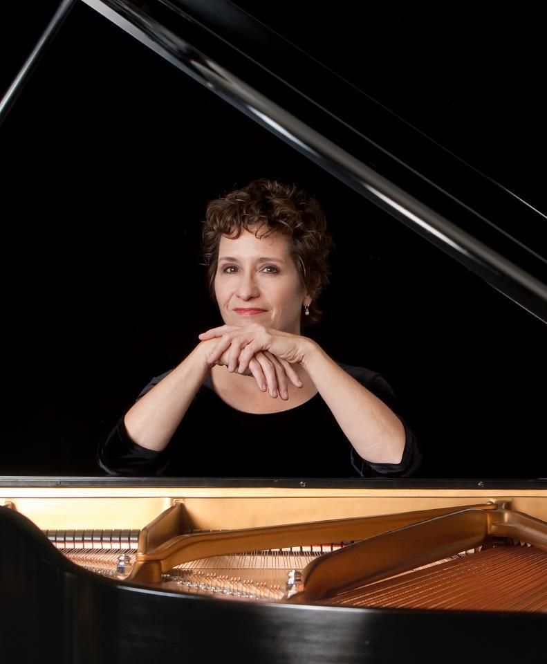 LA pianist sues theatre for loss of fingertip