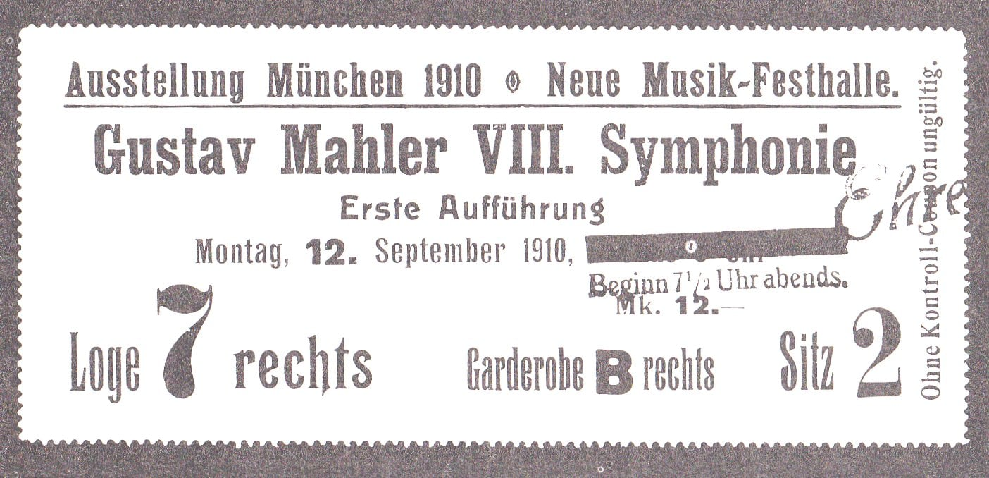 Mahler's 8th symphony: 388 singers, one instrument