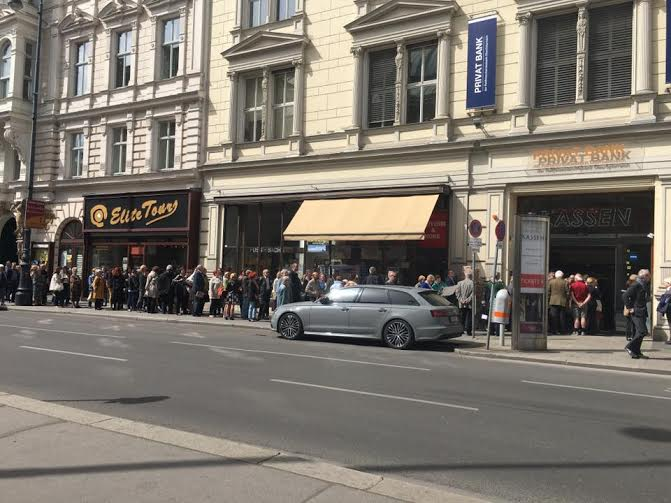 Vienna's jump-in maestro falls out