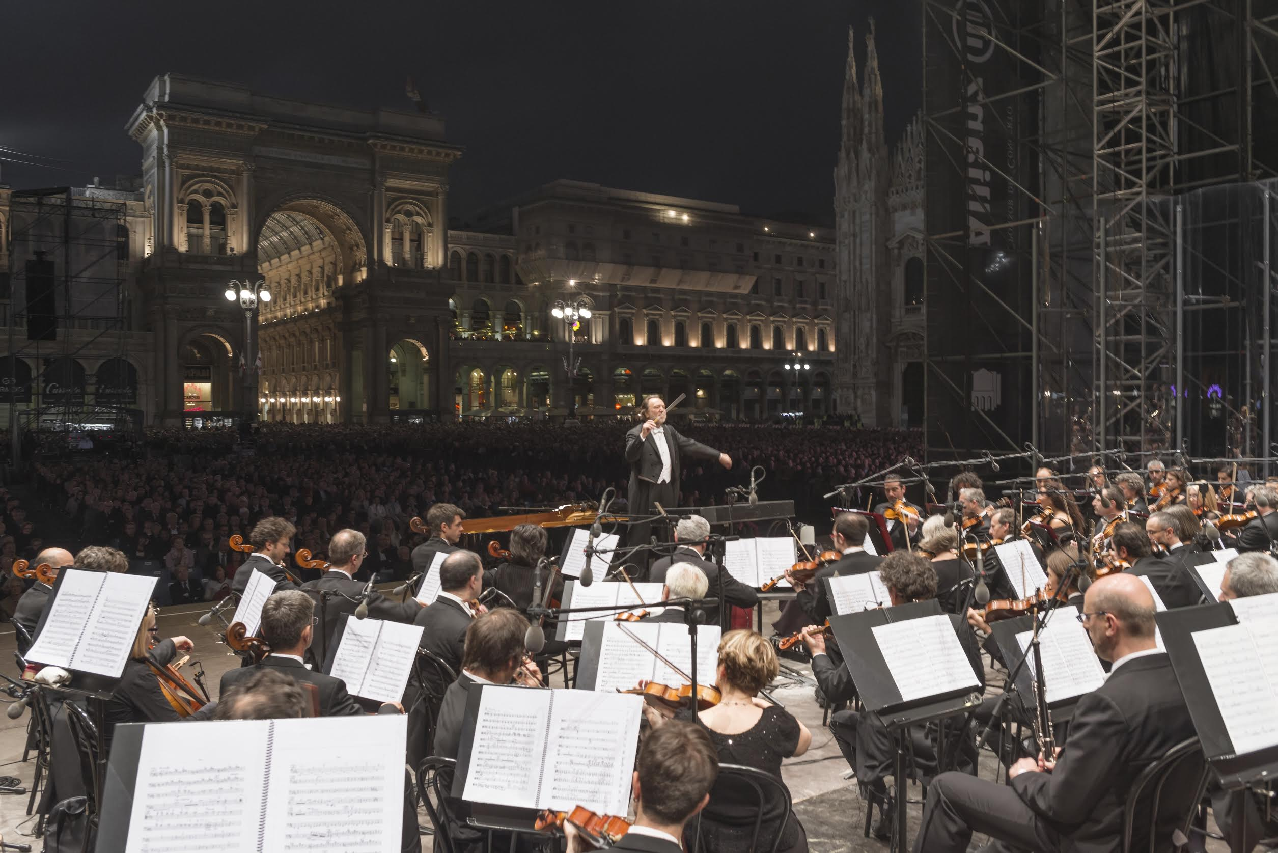 La Scala tests its own temperature