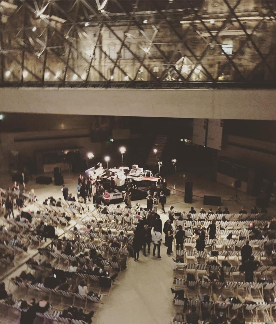 Few stay conscious at all-night Louvre concert