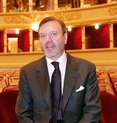 La Scala's former boss still pulls strings