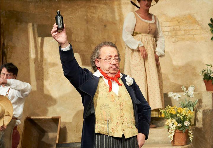 Vienna Opera mourns 100-role baritone