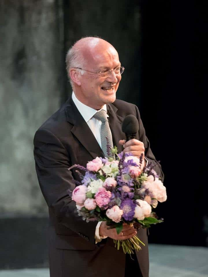 A bouquet for the concertmaster