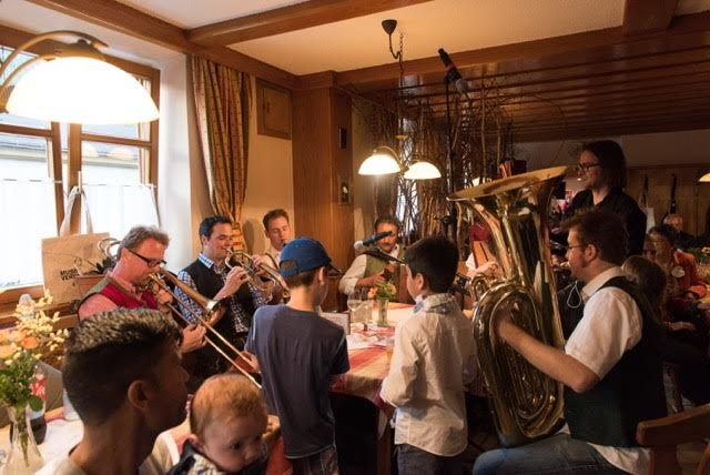 First pics: Vienna Philharmonic opens home for refugees