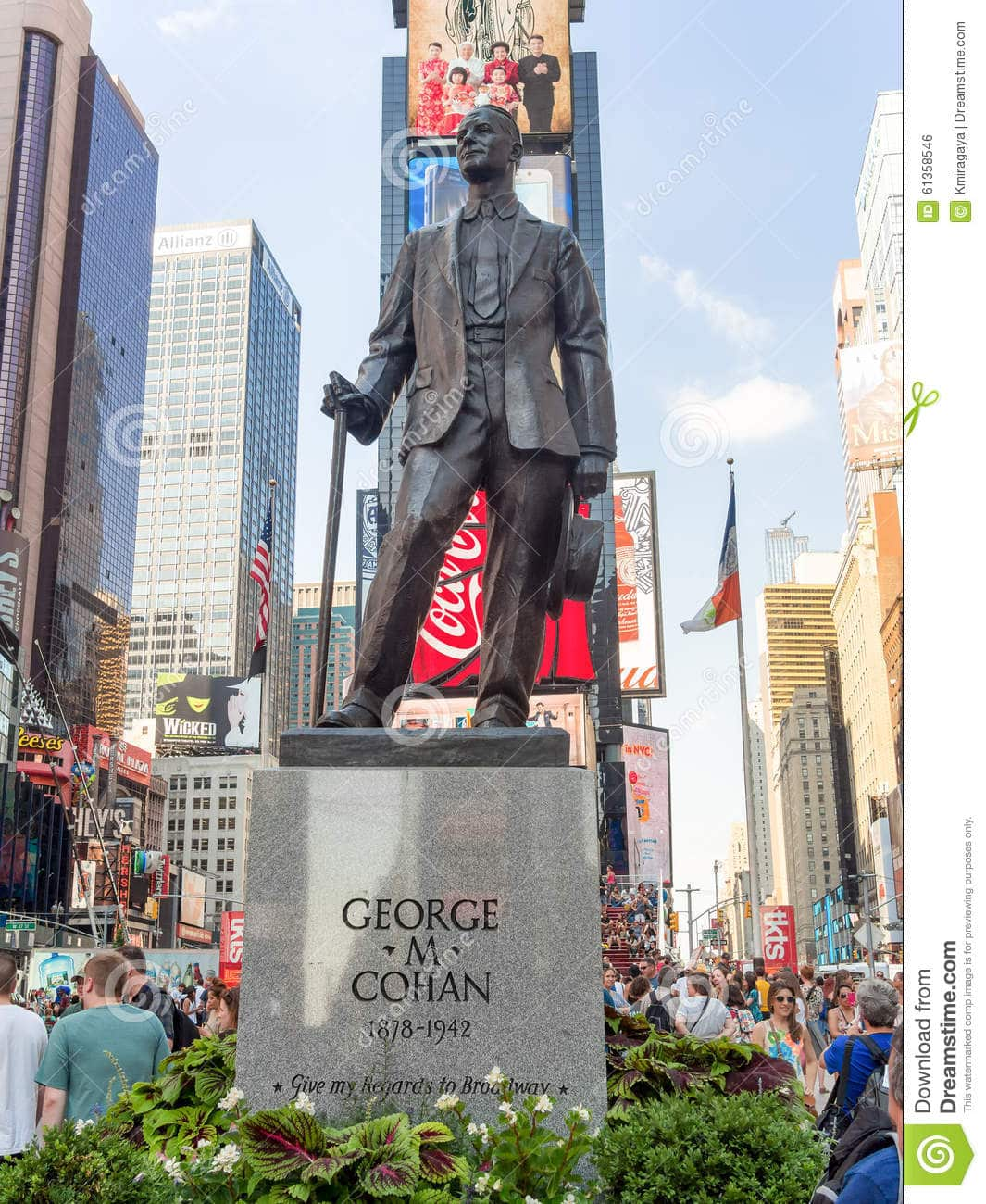 george-m-cohan-statue-times-square-new-york-city-usa-august-61358546