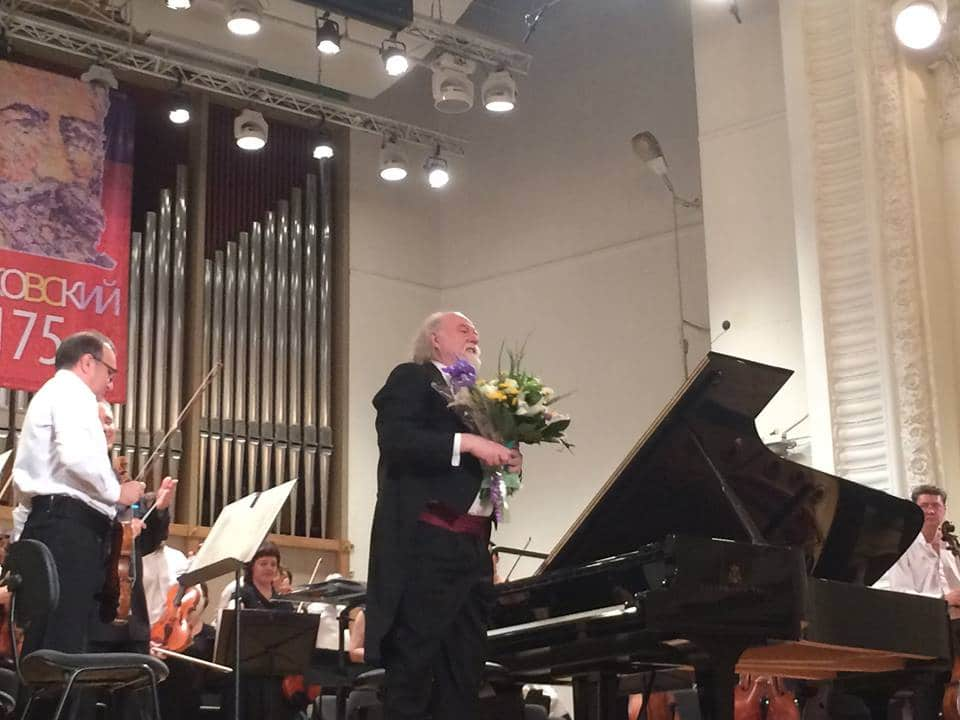 A flying concert pianist's Corona diary